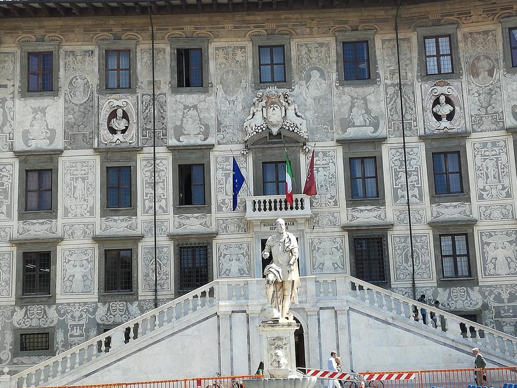 Pisa Cavalieri tér